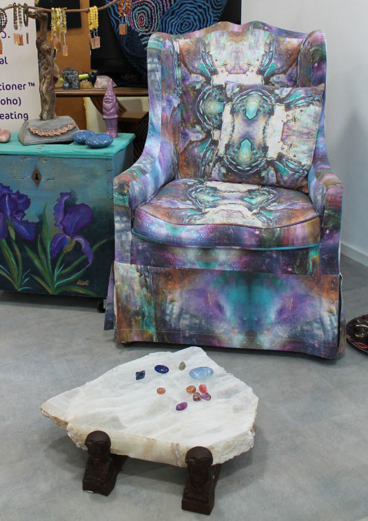 a photo of mystic indigo experience chair and selenite